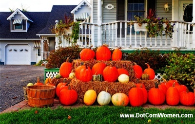 How to nail fall curb appeal dirtyworkservices Fall outdoor decorating with pumpkins